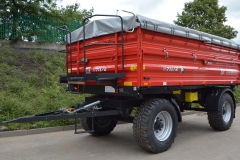 MF farming-trailer_T711-2_1